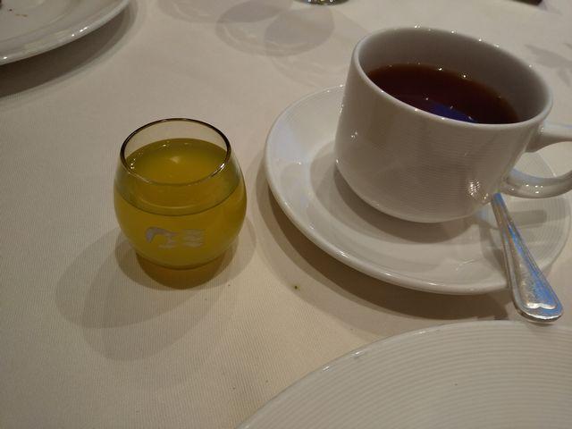 紅茶、リモンチェッロ