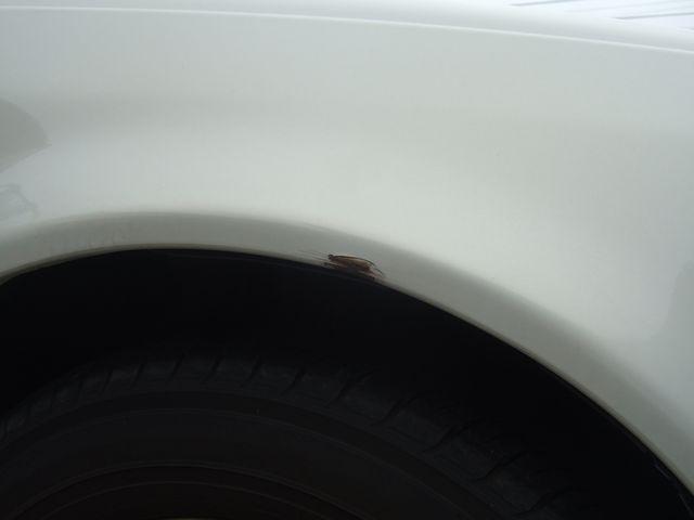 傷 右前タイヤ